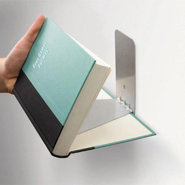 prateleira de livros invisivel 3364